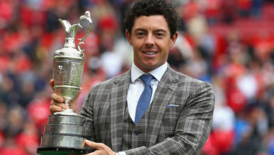 Photo of Rory McIlroy homenajeado en el Old Trafford Stadium
